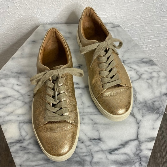 Ivy Leather Gold Low Lace Sneakers 9